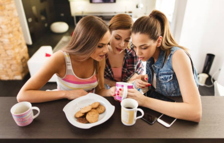 Гадание на кофе девушки